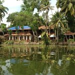                    Malayalam lake resort