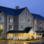  CountryInn&amp;Suites Davenport ExteriorNight