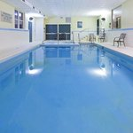  CountryInn&amp;Suites Wyomissing  Pool