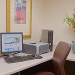  Holiday Inn Verob Beach Oceanfront- Business Center