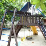                                      Play yard