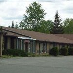 Welcome To The Knights Inn Kemptville, ON