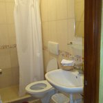 bathroom of triple room nb 3
