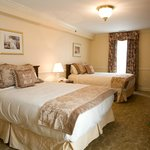  Deluxe Two Queen Bed Rooms at the Hotel Alcott