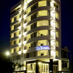  D&amp;C Hotel by night