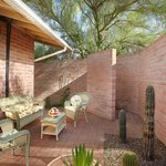  Saguaro Outdoor courtyard