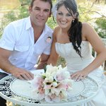 Another happy bride and groom at Tindarra Resort on the banks of the Murray River