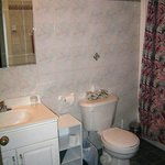  Bathroom 1-bdrm. unit