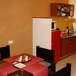  Kitchen &amp; dining table