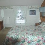 ‪Walloon Lake Inn Bed and Breakfast‬