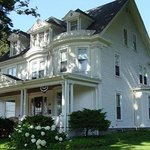 The Golden Oak Inn Bed & Breakfast