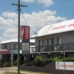 Travellers Motor Inn