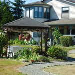 ‪Camano Blossom Bed and Breakfast‬