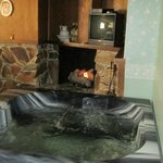 Jacuzzi and fireplace