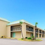 Econo Lodge Inn &amp; Suites Gulfport