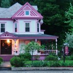 ‪Melody's Place Bed & Breakfast‬