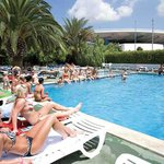 The White Apartments by Ibiza Feeling - pool at the neighbouring hotel