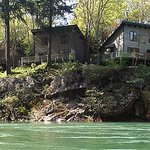 River Vista Vacation Homes and Lodging