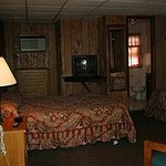 Holly Hill Motel