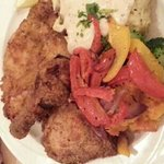 fried chicken w/veggies and mashed potatoes