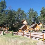 Rustic Ridge Guest Cabins
