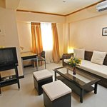 large 36.5 sqm living area, with kitchen makes SDR a great choice over hotels