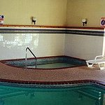 Chisholm Inn & Suites