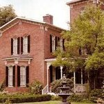 Henry Manor Bed & Breakfast