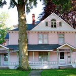 Girls Night Inn Bed & Breakfast