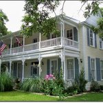 Carriage House Bed &amp; Breakfast