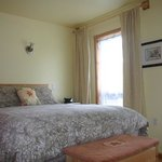 Barb's B & B - A Bed by the Bay