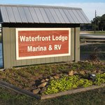 The Waterfront Lodge, Marina & RV Parkの写真