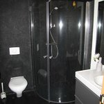 black pebble bathroom