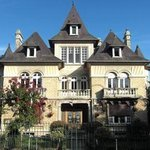 Le Castel Noble Guesthouse