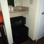 Motel 6 Harrisburg, microwave and fridge, Feb 2013