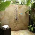  Outdoor shower Grand Villas