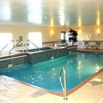 Country Inn & Suites Topeka Kansas Pool