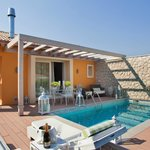  VIP EXECUTIVE VILLA WITH PRIVATE POOL &amp; JACUZZI