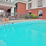  Swimming Pool - Holiday Inn Express hotel in Wilson, NC