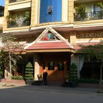                    Eingang zum Holiday Hotel, Battambang