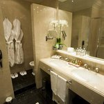  Bathroom Deluxe Double