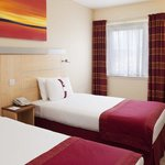  Bright &amp; Comfortable Twin Room in Redditch Hotel