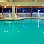 CountryInn&Suites TallahasseeNW Pool