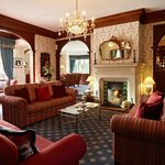  Coed-Y-Mwstwr Hotel - Lounge