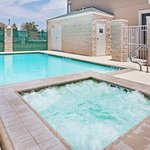  CountryInn&amp;Suites Midland Pool