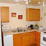 1-bdrm suite kitchen