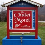  Chalet Motel Exterior