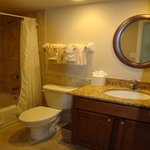  Bayside Standard Condo Guest Bath
