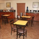 Texas Inn Suites Raymondville Breakfast