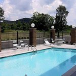  Magnuson Hotel Cool Springs Pool